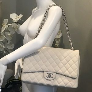 CHANEL Bags - CHANEL Caviar leather bag AUTHENTIC